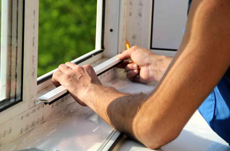 kak samostoyatelno demontirovat plastikovoe okno
